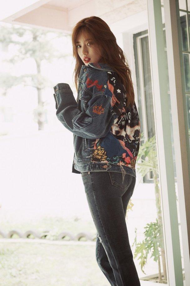 Suzy & Go Jun Hee - Những nữ thần thời trang của mùa thu này - Ảnh 3.