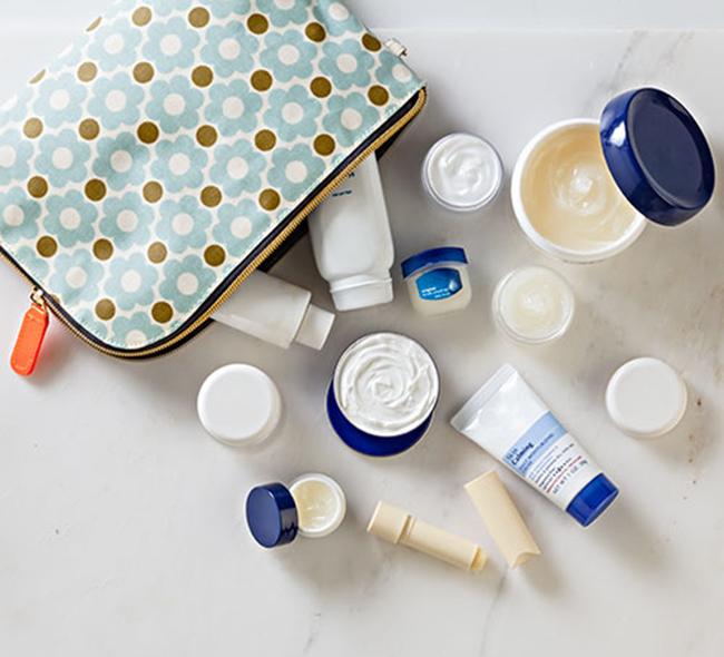 5 đồ vật mà bạn nhất định phải mang theo trong túi để còn chăm da những ngày này - Ảnh 2.