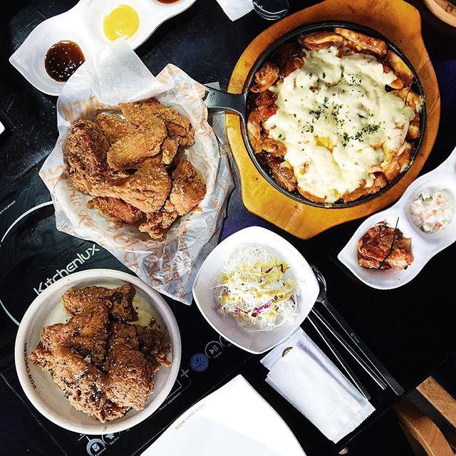 Bỏ túi địa chỉ 4 quán gà phô mai đang cực hot ở Sài Gòn - Ảnh 13.