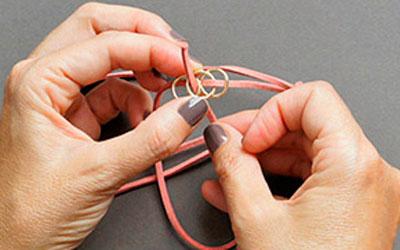Ai mê đồ handmade thì thử ngay cách đan vòng tay cực cá tính này - Ảnh 4.
