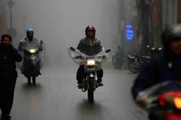 Những nguyên tắc đi đường cần nhớ khi có gió giật mạnh ngày mưa bão - Ảnh 7.