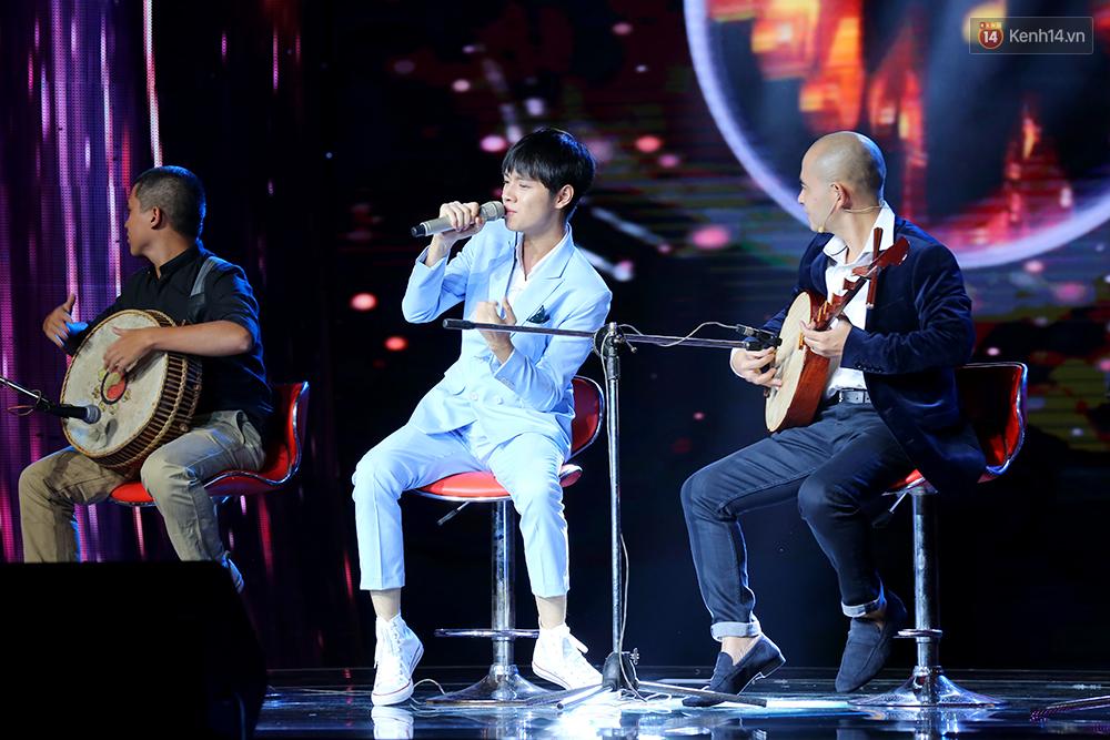 3 ca khúc đã giúp chàng trai 18 tuổi Cao Bá Hưng chiến thắng