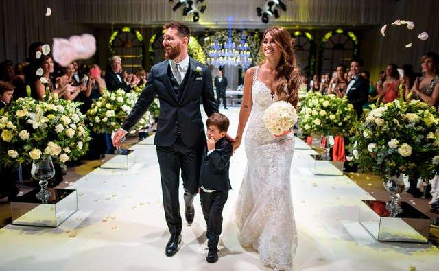 Mẹ của Messi gây sóng gió trong đám cưới con trai - Ảnh 2.
