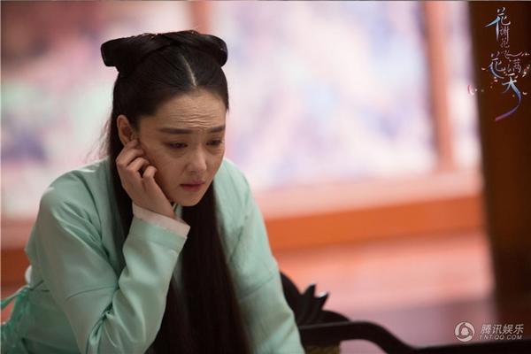 """Sốc với tạo hình già nua của """"mỹ nhân vạn người mê"""" Trương Hinh Dư trong phim mới - Ảnh 1."""