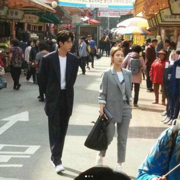 Cặp kè nữ thần mặt đơ, Thủy thần Nam Joo Hyuk lại càng đẹp trai - Ảnh 2.