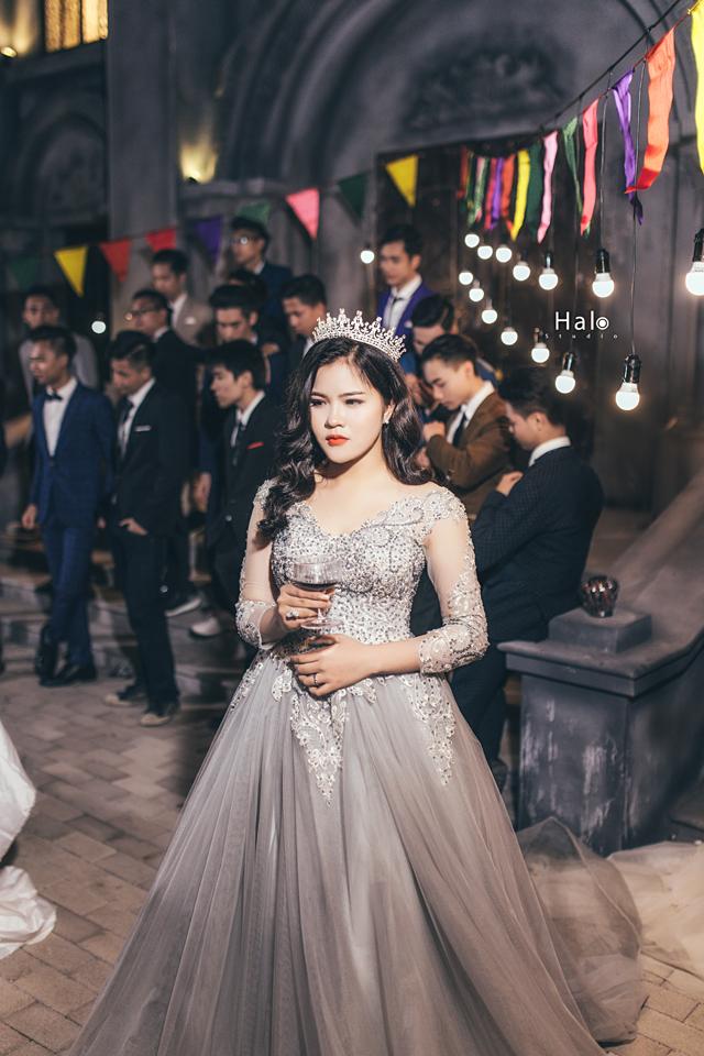 Độc nhất ở Thái Bình: Lớp học chi 40 triệu/đêm để hóa thân sang chảnh trong ảnh kỷ yếu phong cách dạ hội - Ảnh 8.