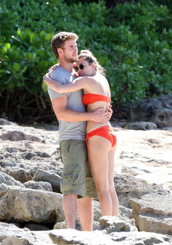 Sợ Liam nhàm chán, Miley Cyrus đi học kiểu ân ái mới để hâm nóng chuyện phòng the? - Ảnh 1.