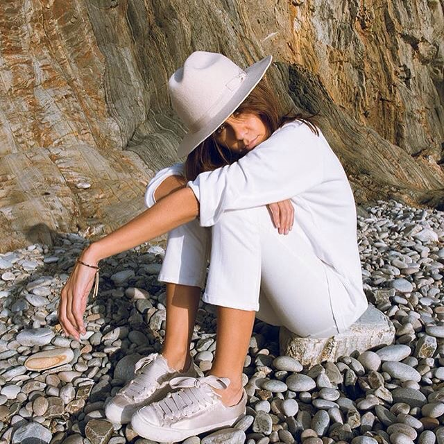 Zara ra mắt sneaker chất liệu satin, liệu đây có phải kiểu sneaker sẽ gây bão trong năm 2017? - Ảnh 7.