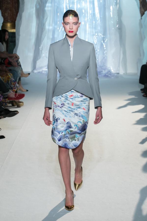 Đặt hẳn thiết kế Haute Couture làm đồng phục cho tiếp viên, Hainan Airlines chắc chắn là hãng hàng không chơi lớn nhất - Ảnh 9.