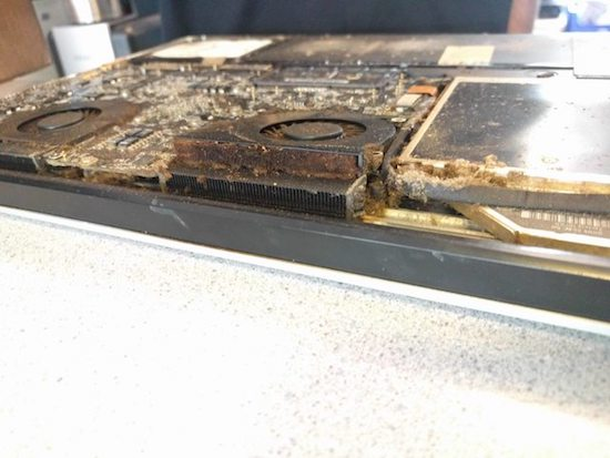 9 chiếc máy tính bẩn nhất Hệ Mặt Trời mà chỉ nhìn thôi là đủ buồn ói rồi - Ảnh 17.