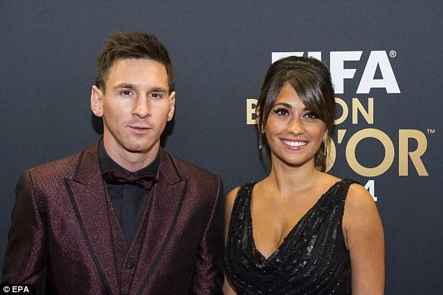Chiều lòng vợ, Messi không mời cặp Pique - Shakira dự lễ cưới - Ảnh 1.