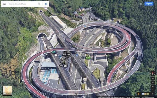 Không phải photoshop đâu, đây chính là công trình giao thông thứ thiệt tại Nhật Bản đấy - Ảnh 1.