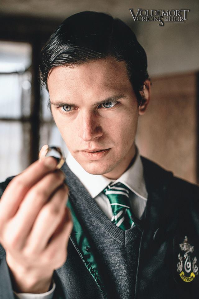 Phần mới về Voldemort của loạt phim Harry Potter hé lộ trailer đầu tiên đầy bí ẩn - Ảnh 2.