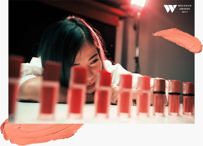 Changmakeup: Từ cô gái lầm lũi gấp 1.000 chiếc áo mỗi ngày đến nữ hoàng bán sạch 14.000 cây son của chính mình trong 1 tiếng - Ảnh 2.