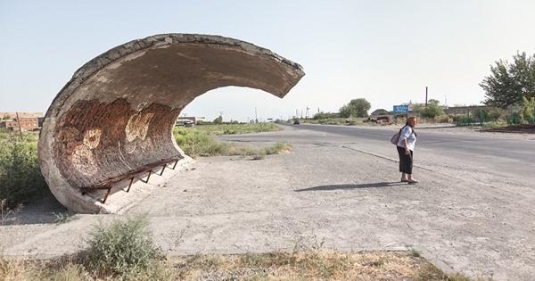 Chùm ảnh: Những trạm chờ xe buýt cực ấn tượng từ thời Liên Xô cũ - Ảnh 10.