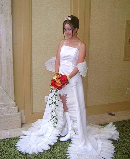 17 cô dâu hóa tuồng chèo khi khoác lên mình những thảm họa váy cưới - Ảnh 29.