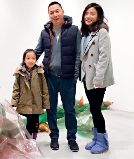 Con gái Triệu Vy càng lớn càng giống mẹ với đôi mắt to tròn, đáng yêu - Ảnh 3.