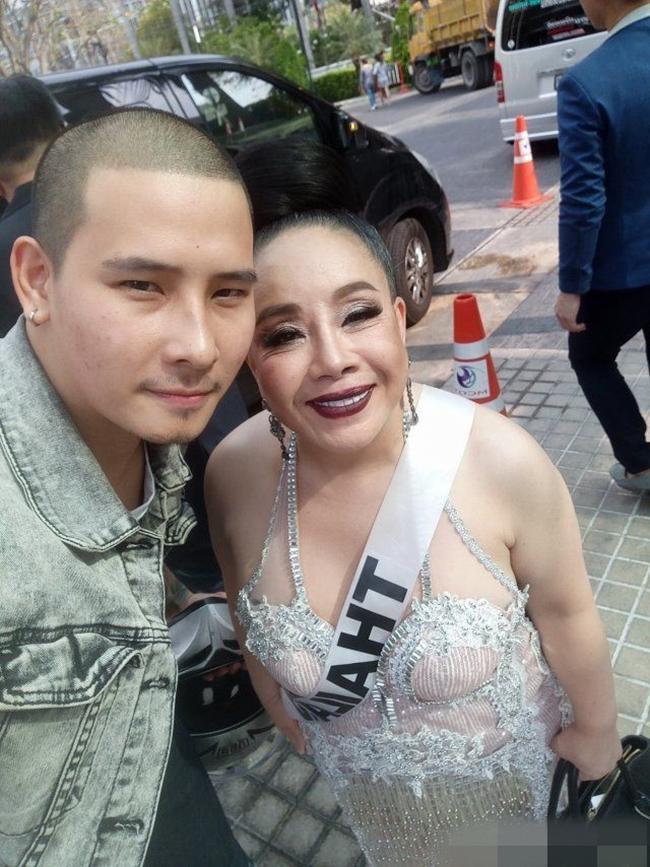 <a target='_blank' href='http://www.phunuvagiadinh.vn/tag/nu-dai-gia-ket-hon-lan-9-voi-chong-tre-kem-34-tuoi'>Nữ đại gia kết hôn lần 9 với chồng trẻ kém 34 tuổi</a> từ 60.000 trai đẹp ứng tuyển - Ảnh 1.