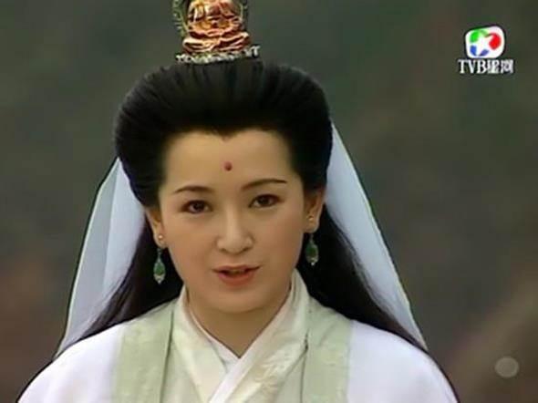 Ngoài Tôn Lệ, bạn có nhận ra 9 gương mặt thân quen trong Năm Ấy Hoa Nở Trăng Vừa Tròn? - Ảnh 11.