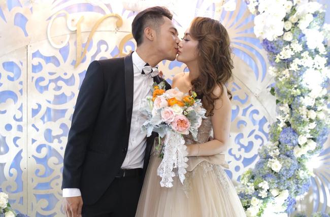 Điểm lại những đám cưới xa hoa, đình đám trong showbiz Việt khiến công chúng suýt xoa - Ảnh 14.