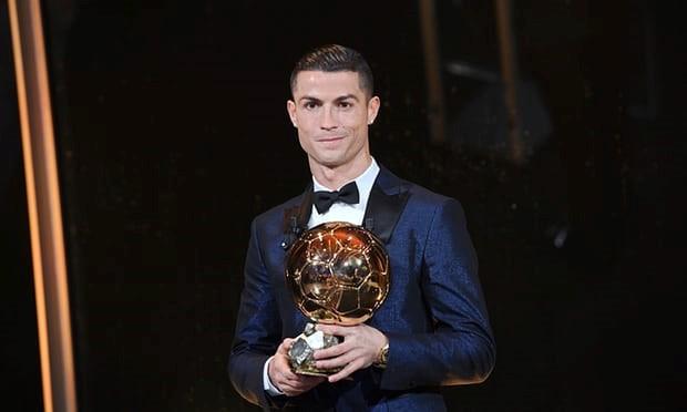 Ronaldo giành Quả bóng vàng 2017, cân bằng kỷ lục của Messi - Ảnh 3.