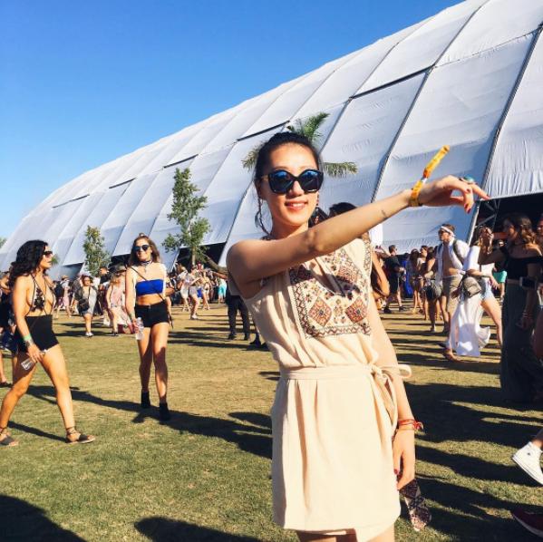 Lại một mùa Coachella bỏng mắt ngắm những cô nàng xinh đẹp và sexy nhất nước Mỹ! - Ảnh 20.