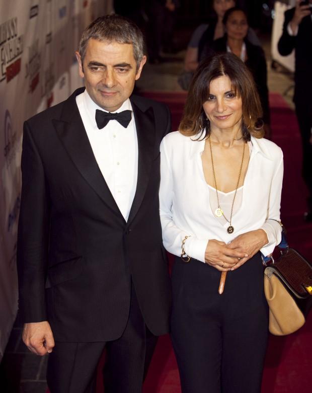 62 tuổi, sao Mr. Bean chuẩn bị có em bé thứ 3 với người tình trẻ đáng tuổi con gái - Ảnh 2.