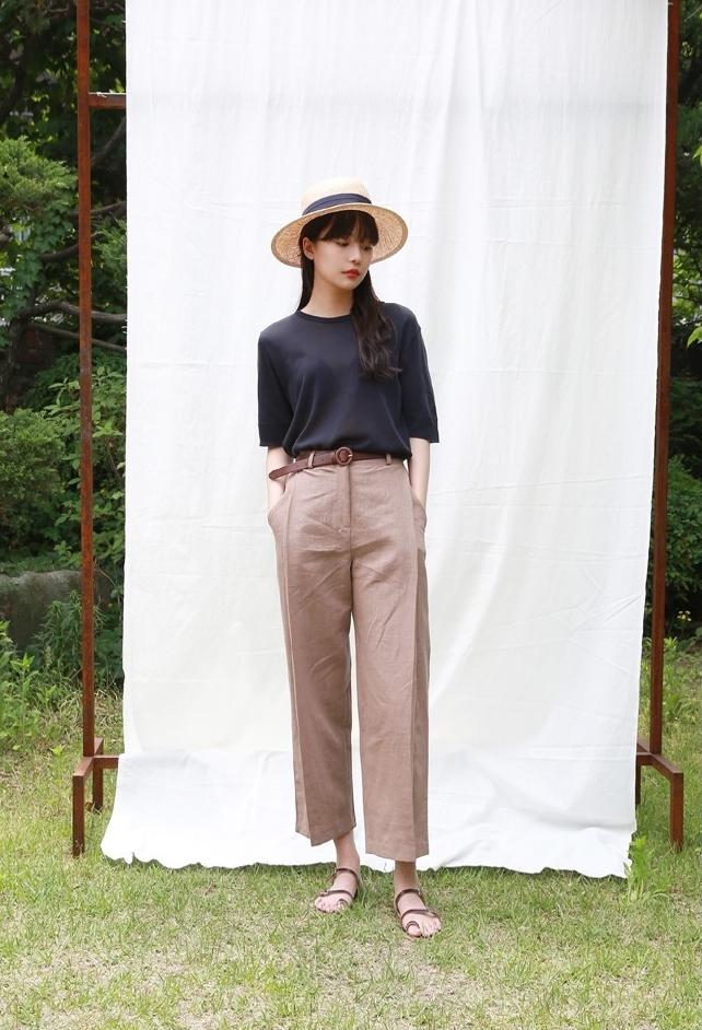 Áo dệt kim: lại thêm chiếc áo không thể thiếu của mùa thu bởi nàng nào diện vào cũng dịu dàng hơn bội phần - Ảnh 14.