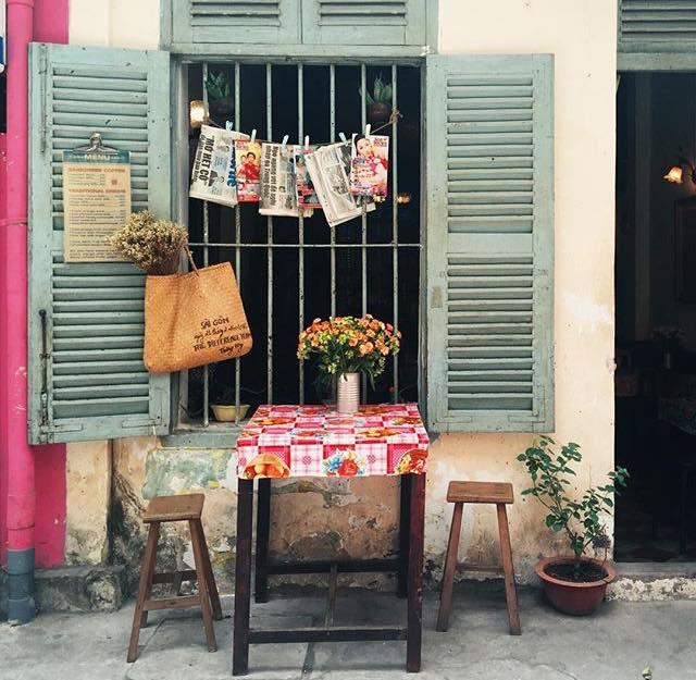 Ở ngay những khu phố Tây ồn ã, cũng có những quán cafe bình yên và xinh xắn như thế! - Ảnh 20.