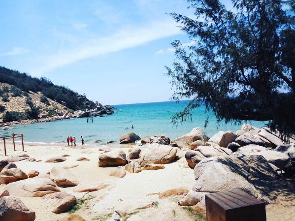 Bãi biển Trung Lương đẹp nao lòng (@meoyeuxochau)