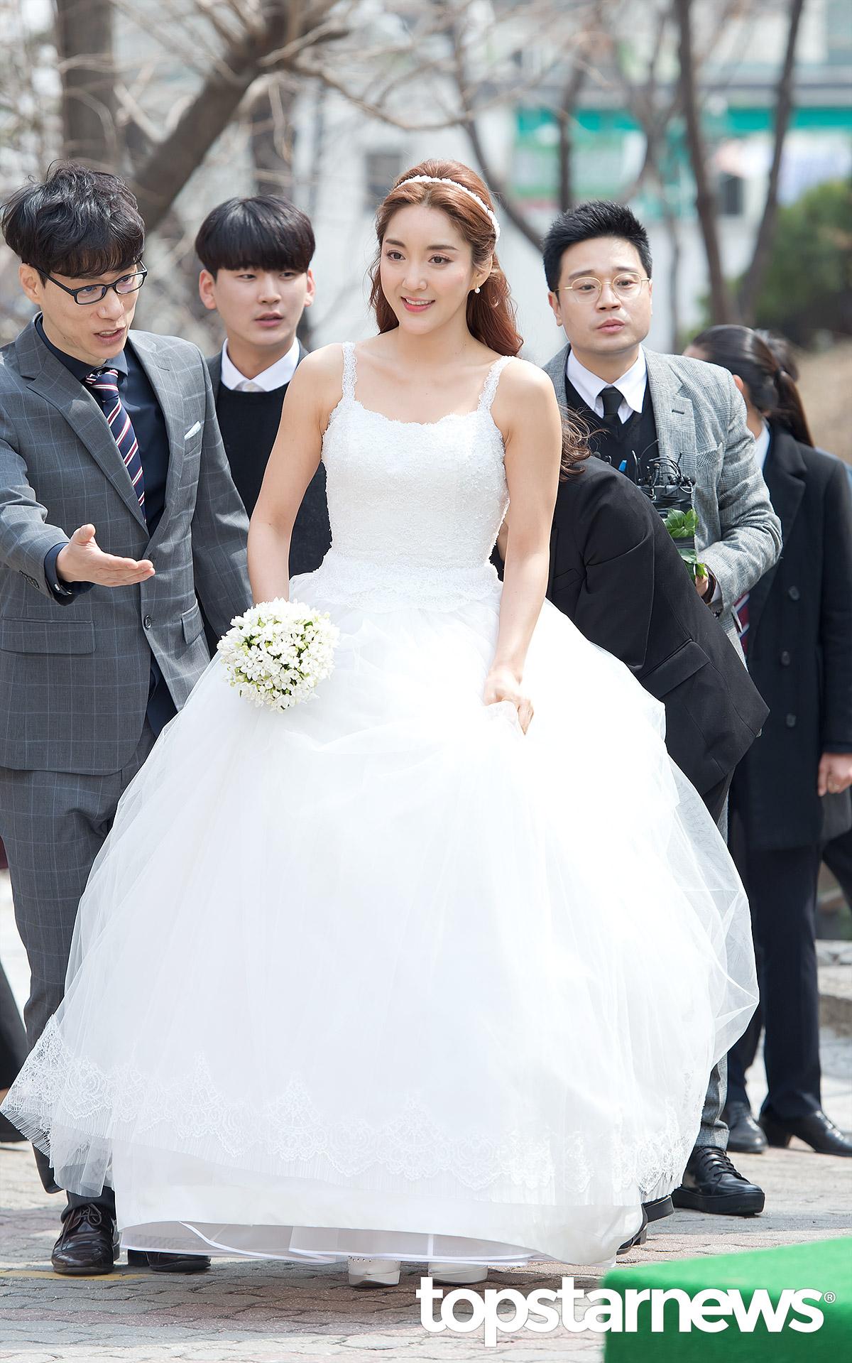 Sao Hàn: Hôn lễ đẹp nhất xứ Hàn: Nhóm nhạc S.E.S tái hợp, chủ tịch SM Lee Soo Man cùng dàn sao