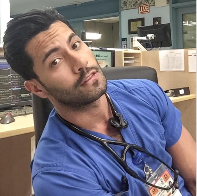 Người mẫu, diễn viên đẹp trai đã là gì; giờ mốt phải là nam bác sĩ, y tá đẹp đến rụng rời - Ảnh 7.
