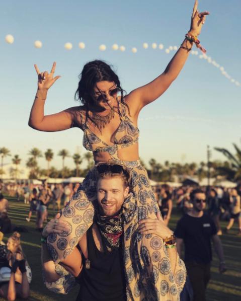 Lại một mùa Coachella bỏng mắt ngắm những cô nàng xinh đẹp và sexy nhất nước Mỹ! - Ảnh 31.