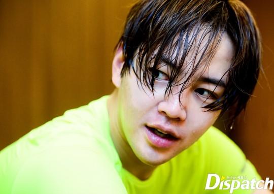 Tung ảnh đấm bốc cực ngầu, nhưng điều fan chú ý lại là khuôn mặt sưng vù của Jang Geun Suk - Ảnh 13.