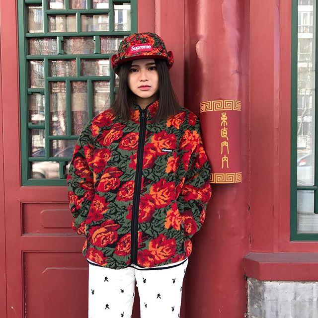 Feifei - cô nàng 20 tuổi được bố mẹ cho hơn 200 triệu đồng/tháng chỉ để mua đồ streetwear - Ảnh 4.