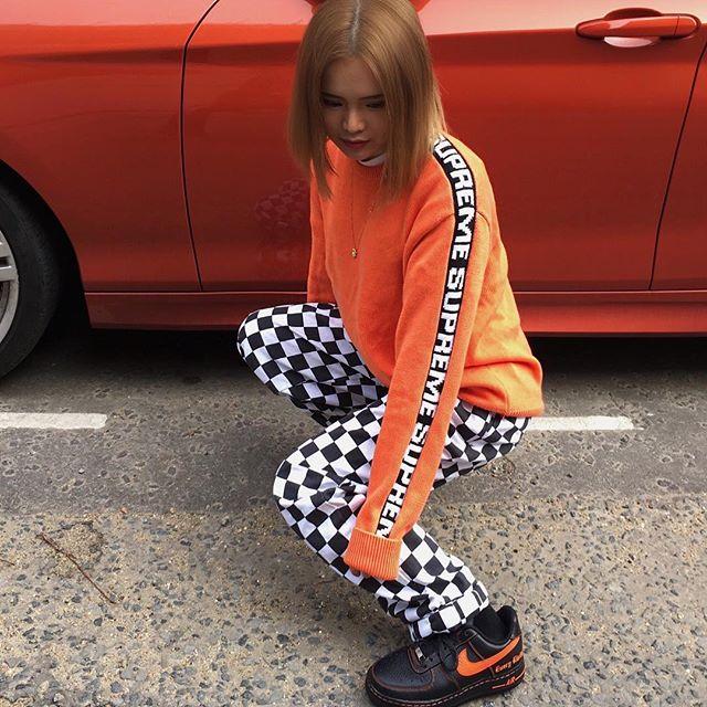 Feifei - cô nàng 20 tuổi được bố mẹ cho hơn 200 triệu đồng/tháng chỉ để mua đồ streetwear - Ảnh 8.