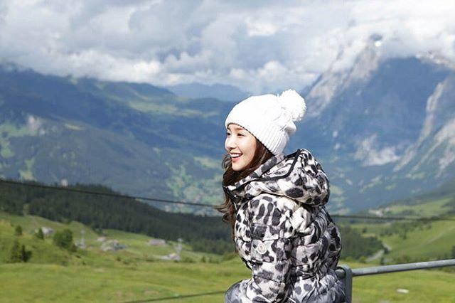 Nữ hoàng dao kéo Park Min Young đẹp động lòng người trong ảnh du lịch Thụy Sĩ - Ảnh 1.