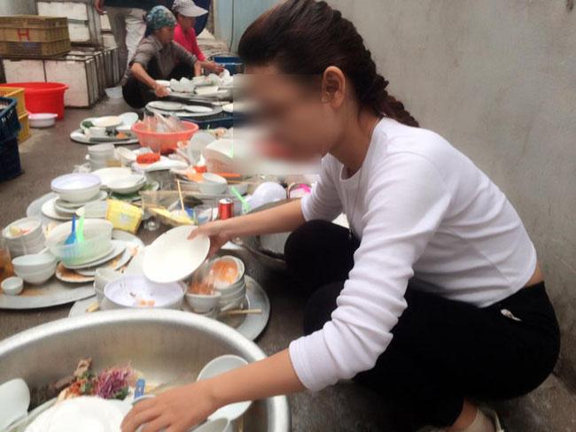 Đi phụ đám cưới, cô gái lên mạng sống ảo than nhà người yêu bắt rửa cả núi bát đĩa - Ảnh 4.