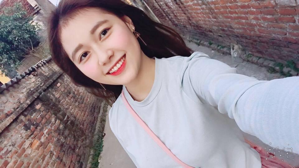 Đời sống: Nữ sinh ĐH Xây Dựng Hà Nội bất ngờ nổi tiếng vì quá xinh đẹp