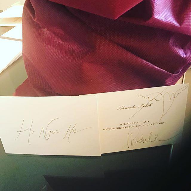 HOT: Hồ Ngọc Hà diện đồ sexy giá hàng trăm triệu, vui tươi tạo dáng bên Tom Hiddleston tại show Gucci - Ảnh 12.