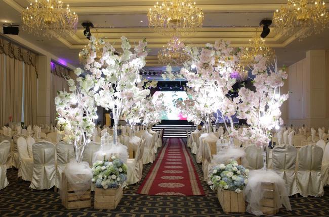 Điểm lại những đám cưới xa hoa, đình đám trong showbiz Việt khiến công chúng suýt xoa - Ảnh 20.
