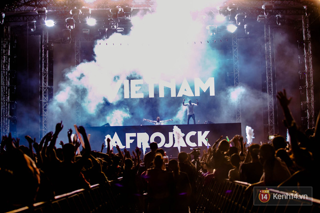 Nhìn lại trào lưu EDM tại Việt Nam qua 6 đại nhạc hội hoành tráng nhất 2016 - Ảnh 6.
