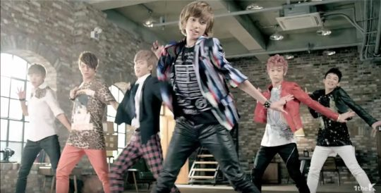 10 địa điểm huyền thoại đã xuất hiện trong ty tỷ MV Kpop - Ảnh 40.