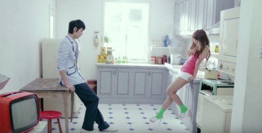10 địa điểm huyền thoại đã xuất hiện trong ty tỷ MV Kpop - Ảnh 5.