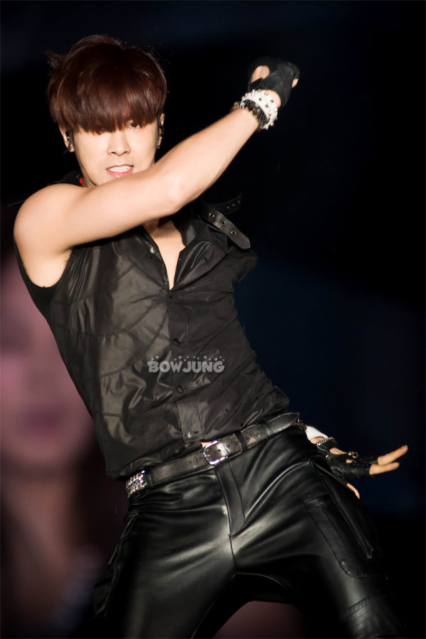 Lần đầu tiên sau khi xuất ngũ, ông hoàng vũ đạo của Kpop sẽ tái xuất tại concert của SM - Ảnh 1.