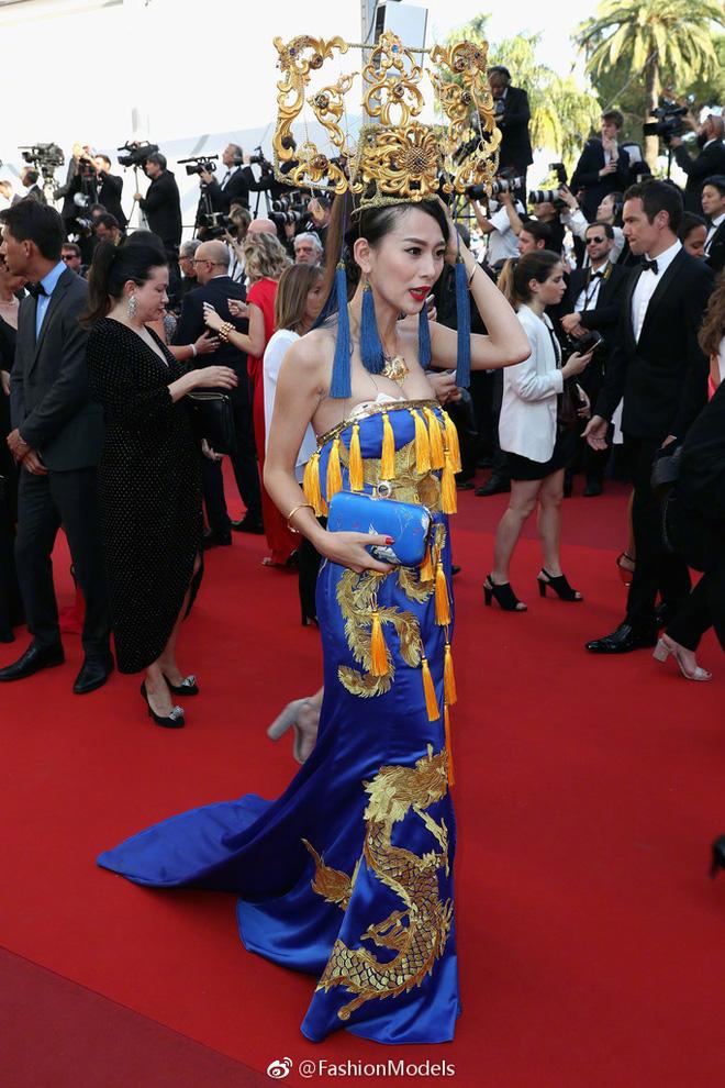 Tổng kết Cannes 2017: Nhiều mỹ nhân vô danh Cbiz ăn mặc phản cảm, bon chen từ đầu đến cuối sự kiện! - Ảnh 13.