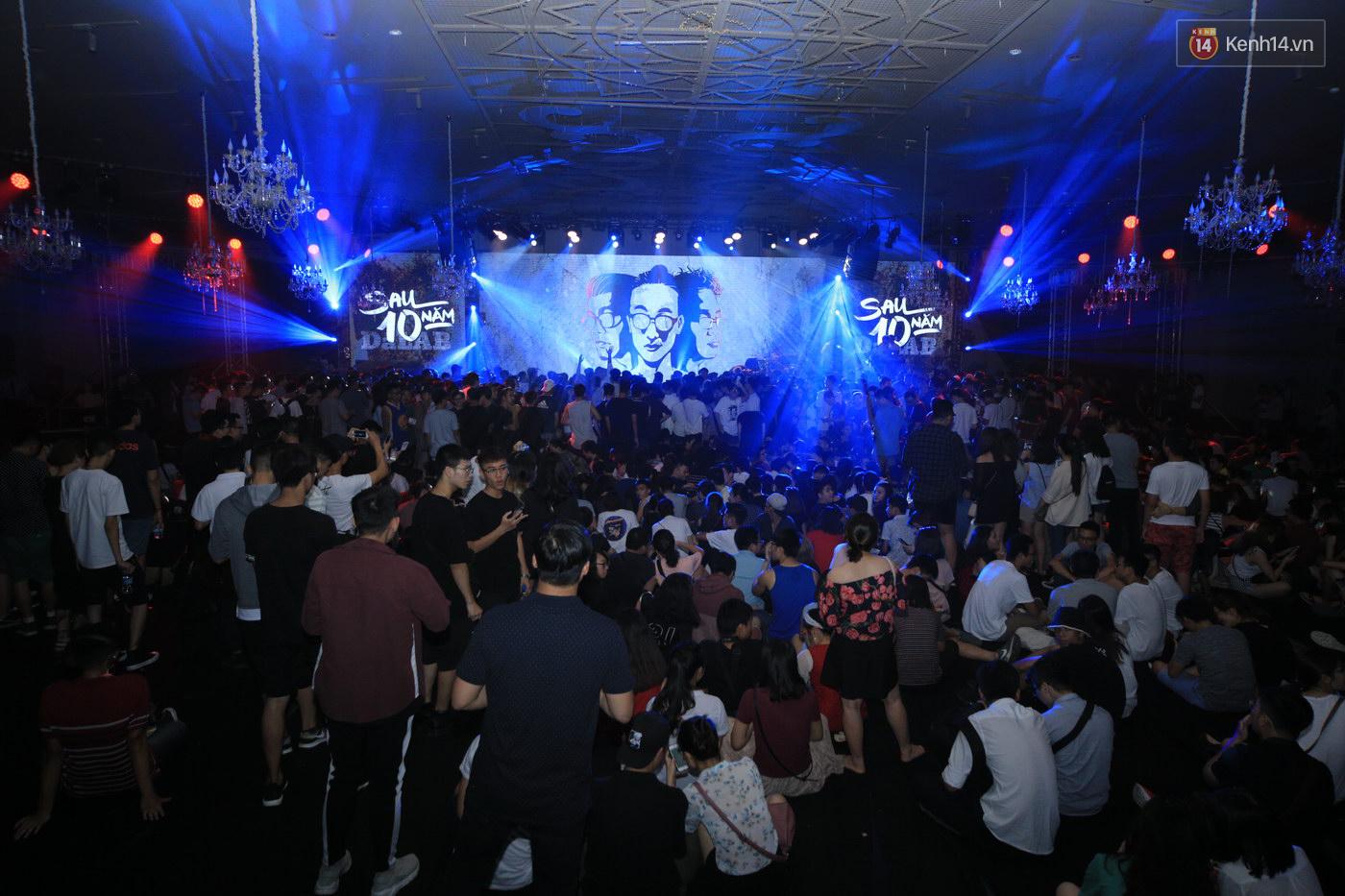 2.500 fan ''vỡ òa'' với show kỉ niệm 10 năm ca hát của Da LAB