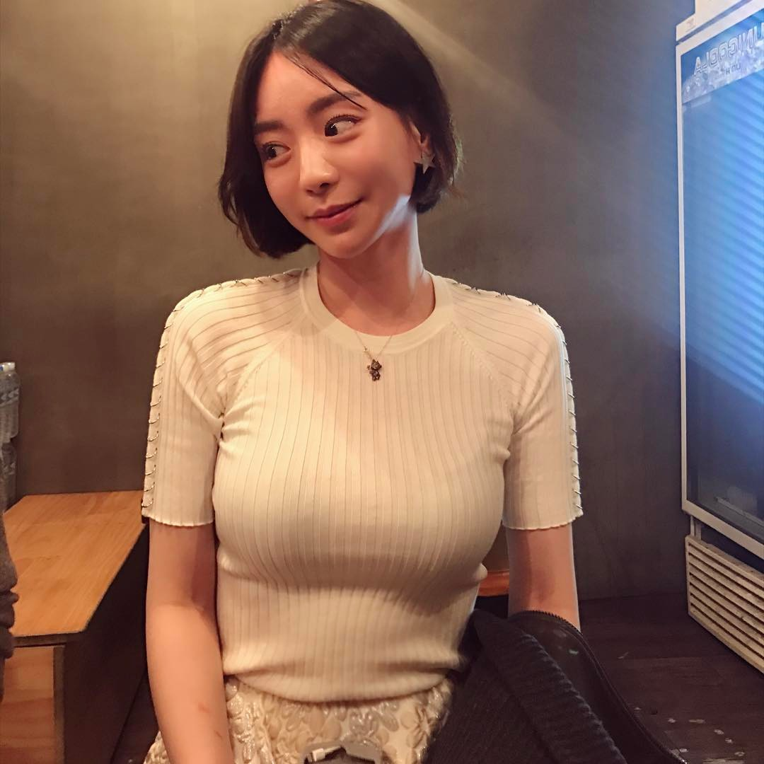 Sao Hàn: Nhan sắc và thông tin về vị hôn thê tin đồn có gia thế