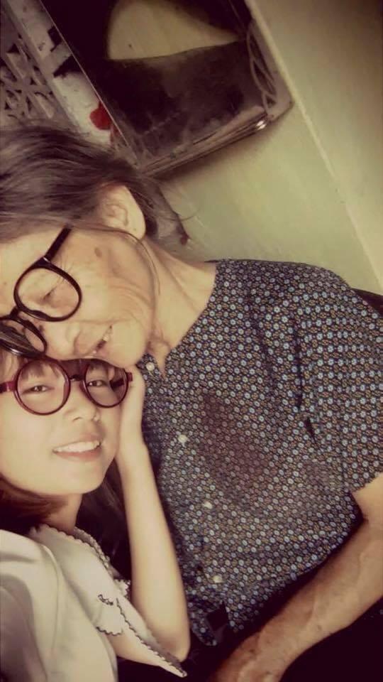 Người bà tuyệt nhất thế gian: 75 tuổi vẫn chắt chiu từng đồng bạc lẻ nuôi cháu vào Đại học Hà Nội - Ảnh 4.