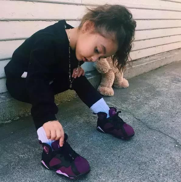 Mới 4 tuổi, cô nhóc này đã sở hữu hàng chục đôi sneakers đình đám khiến người lớn phải kiêng dè - Ảnh 18.
